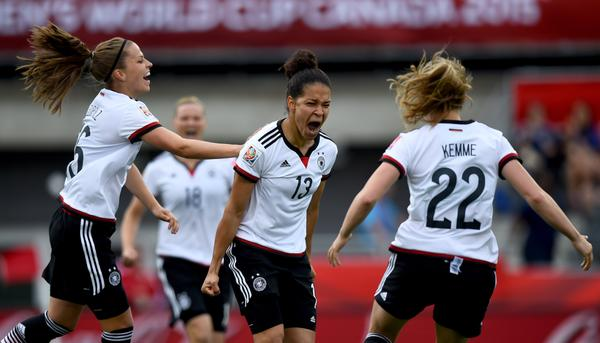 Alemania saca un '10' ante Costa de Marfil