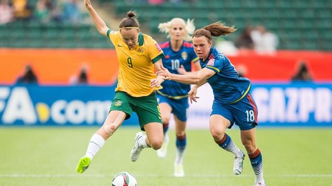 Australia, empate y a octavos (1-1)