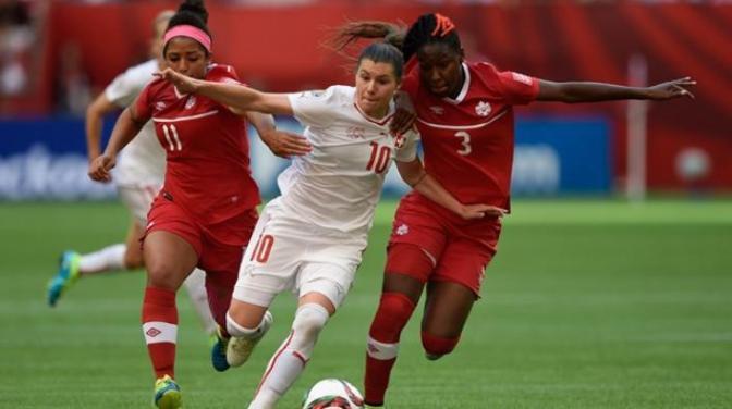 La anfitriona da un paso más en el Mundial (1-0)