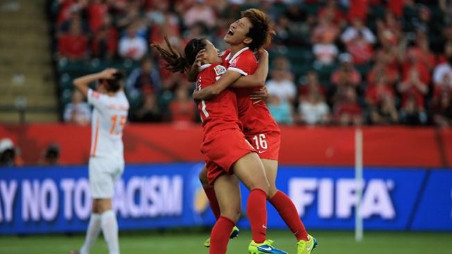Wang Lisi le da el triunfo a China en el minuto 90 (1-0)
