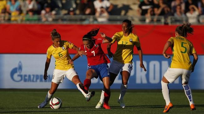 Brasil hace los deberes ante Costa Rica con las suplentes (0-1)
