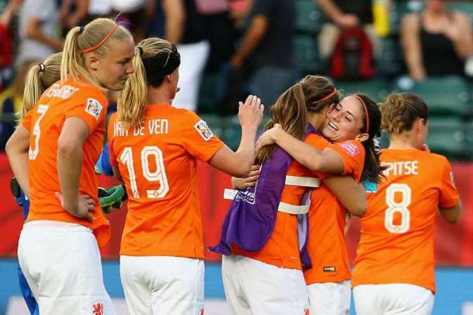 Holanda debuta en el Mundial con triunfo ante Nueva Zelanda (0-1)
