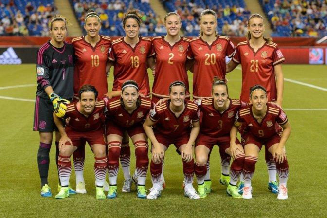 España, mucho fútbol y poca puntería (1-1)