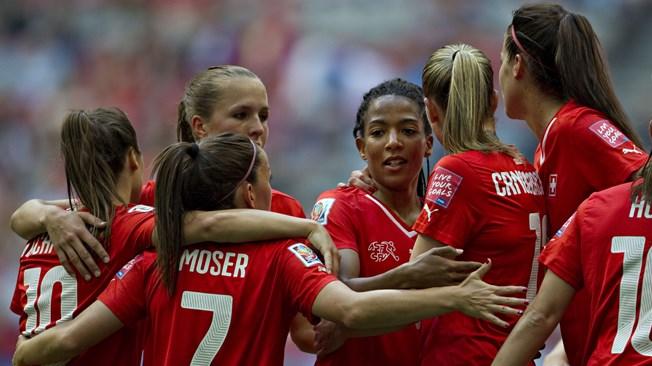 Suiza destroza a Ecuador (10-1)