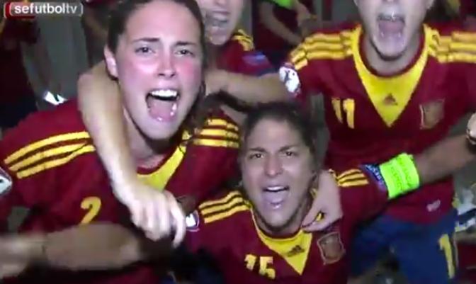 Foto @SeFutbol: la Selección española Sub-19 celebra el pase por penaltis a la final del Europeo.