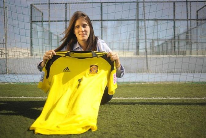 """Elena de Toro: """"Esta generación de futbolistas siempre quiere más"""""""