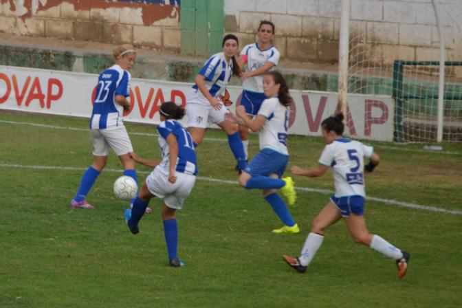 Polémicas tablas entre el Sporting y el recién ascendido Oiartzun (2-2)