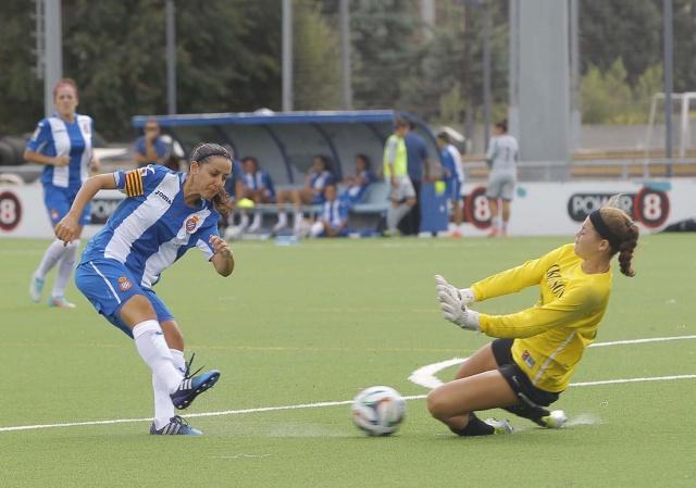 Foto RCD Espanyol: victoria del conjunto periquito en la Dani Jarque ante el CD Santa Teresa.