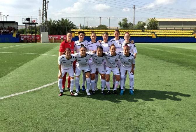 Foto Fundación Nexus Albacete: alineación titular del equipo manchego antes de un partido.