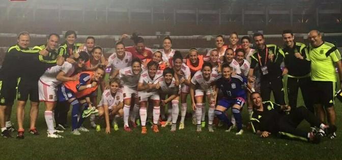 Foto @sefutbol: la Selección española celebra su segunda victoria ante China.