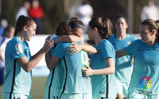 Las jugadores del FC Barcelona Femenino celebran un gol. Foto: LaLiga.