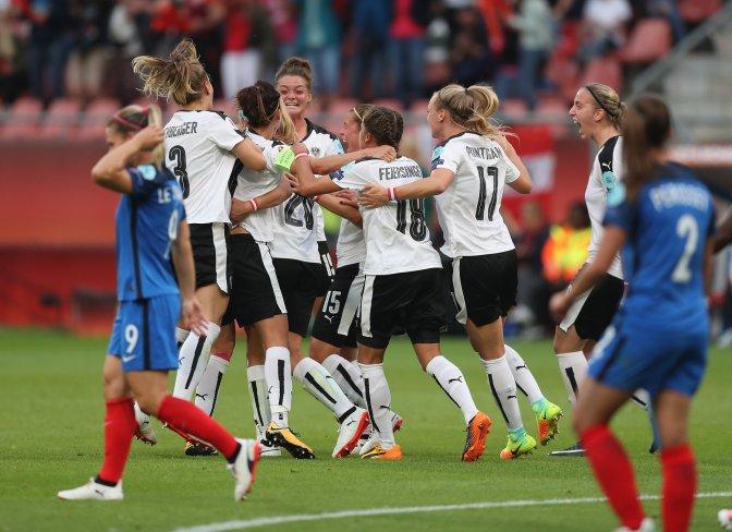 Bachmann decide para Suiza y Austria saca un empate con Francia; Islanda, eliminada